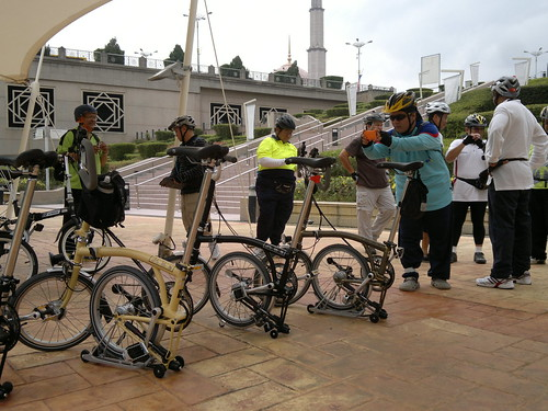 Photo session with the Bromptoms,Putrajaya,Malaysia