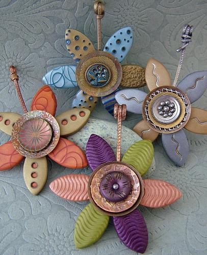 Vintage Button Flower Pendants