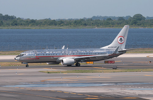 """AMERICAN AIRLINES, BOEING 737 (737-800), N951AA, (retro livery """"Astro Jet""""), at JFK, New York, USA. July, 2011"""