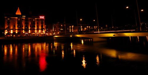 bridge night river lights hotel stream sweden grand bro norrköping saltängsbron recleftions