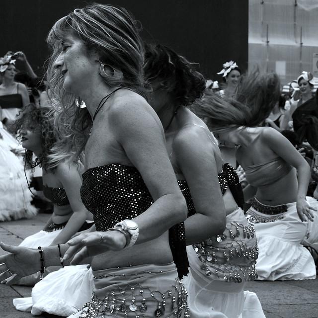 par cam tjejer dansa