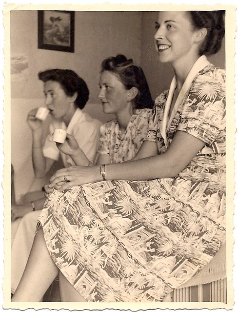 1940's women drinking espresso from  demitasse cups?