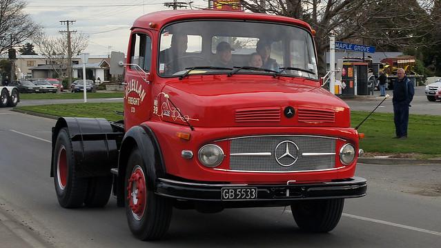 Mercedes benz lp1418 1972 flickr photo sharing for Old mercedes benz trucks