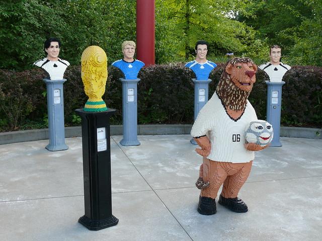 Goleo VI und FIFA-WM-Pokal