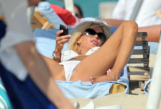 Victoria Silvstedt Clean Shaved Pussy Shot Upskirt 115