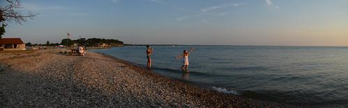 lakeerie portclinton playinginwater sunsetatthelake catawbaisland neportmarina