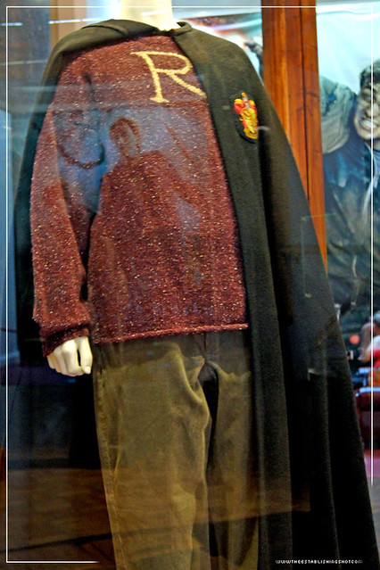 Harry Potter Exhibition - London Film Museum: Ron Weasly's R Outfit from Harry Potter and The Chamber of Secrets