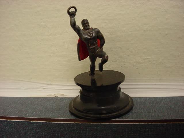 superman_1940sdelwestonsilverstatuette