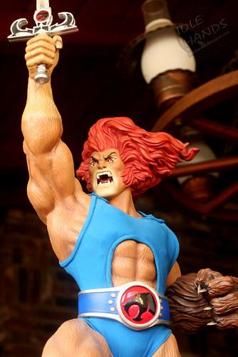 thundercats- Lion-O statue 022