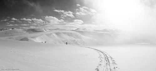 people panorama sun mountain snow mountains colin sunrise colorado ben huts teresa skis skier goldhill skitrack goodwingreenehut
