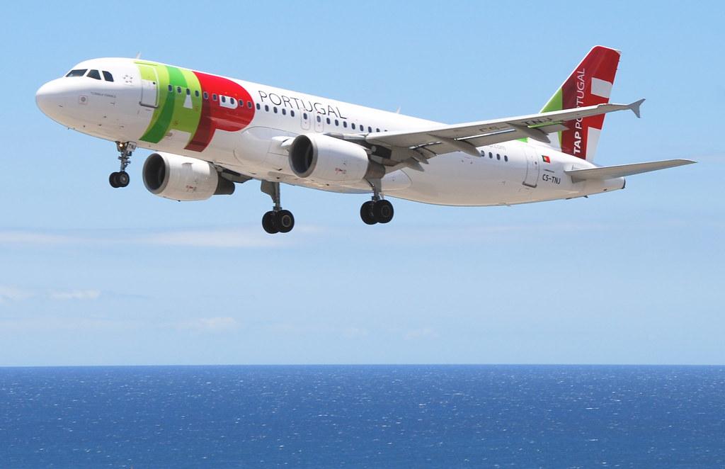 TAP Air Portugal Airbus A320-214; CS-TNJ@FNC;12.07.2011/607bc