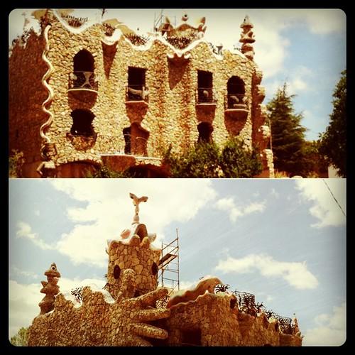 Un vecino de Rillo de Gallo es fan de Gaudí por lo que se ve
