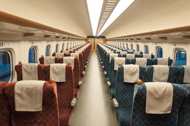 新幹線つばめ323号