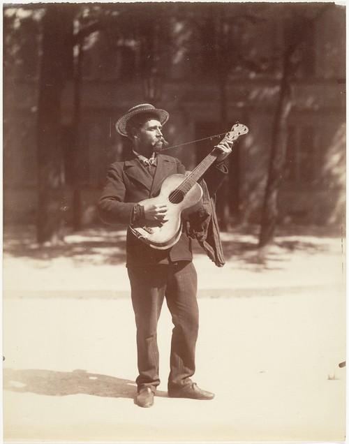 Joueur de Guitare, Paris, 1900, by Eugène Atget