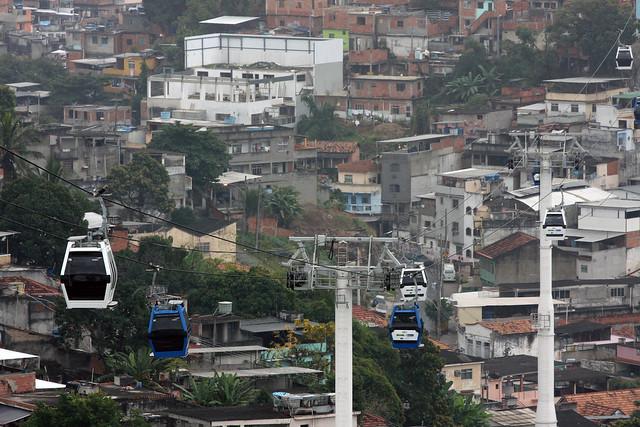 Teleférico do Complexo do Alemão (RJ)