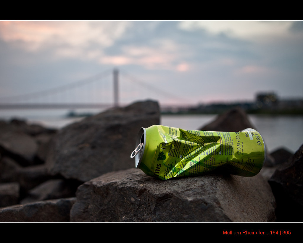 184/365 Waste along the rhine