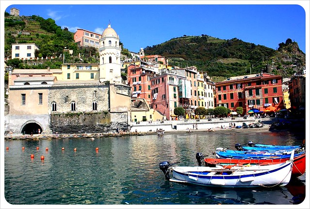 Vernazza port