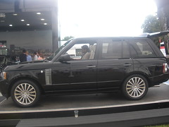 automobile, automotive exterior, range rover, sport utility vehicle, wheel, vehicle, compact sport utility vehicle, rim, bumper, land vehicle,
