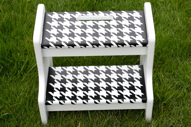 Houndstooth Stool