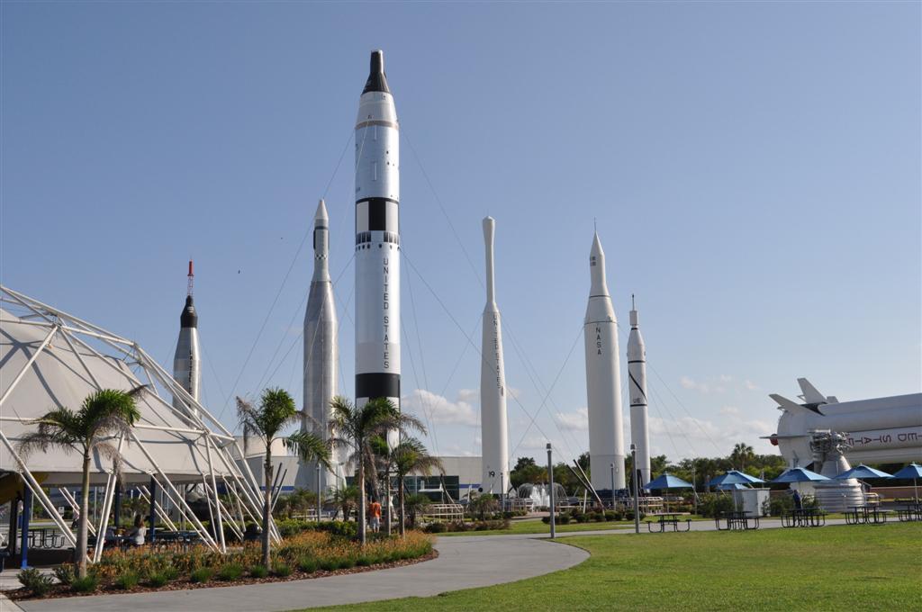 Cohetes en el complejo de la NASA El último viaje del Transbordador Espacial desde Cabo Cañaveral - 5922915336 fea077cec8 o - El último viaje del Transbordador Espacial desde Cabo Cañaveral