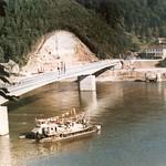 001 Greiner Donaubrücke mit Rollfähre