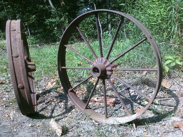 Antique wagon wheels flickr photo sharing - Mobile craigslist farm and garden ...
