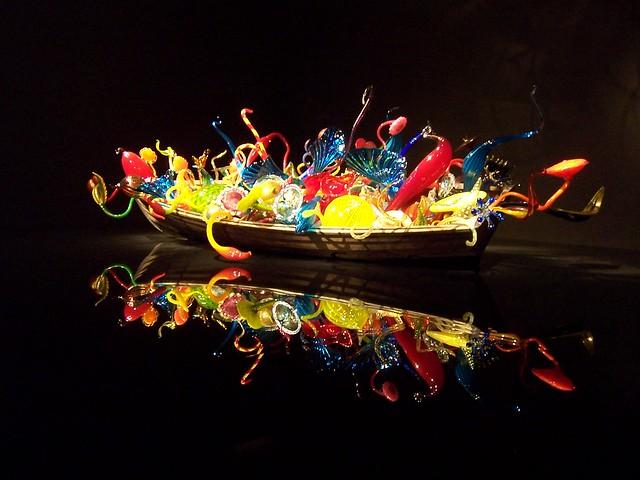 ikebana boat | dale chihuly