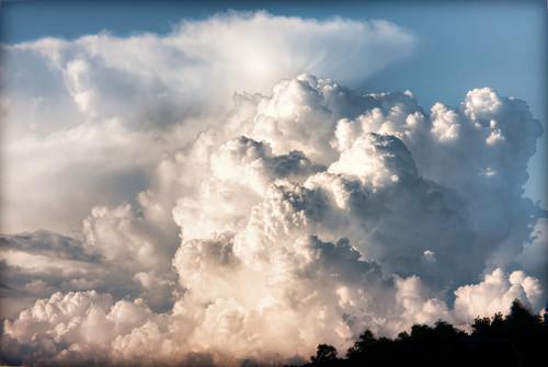 sunset sky abstract japan clouds photoshop canon 日本 hdr cloudscape goldenhour aichiprefecture chubu honshu 愛知県 mikawa tonemapped photomatixpro 岡崎市 laspina eos450d 本州 中部地方 davidlaspina efs55250mmf456is rebelxsi kissx2 topazadjust 55250efsis okazakicity japandave japandavecom 三河国