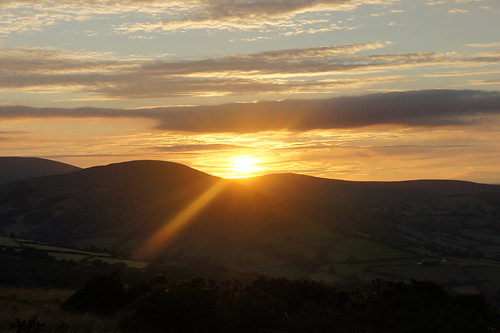 Sunset over the Beacons