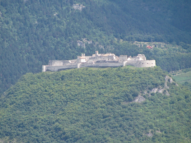 castello di Beseno (visto da castel Barco)
