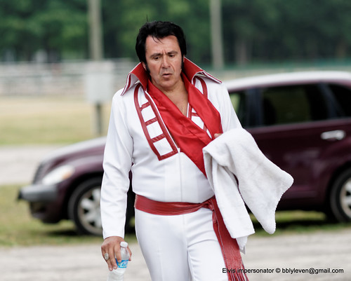 Elvis Impersonator - DSC04354_DxO