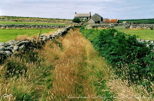 Abandoned cottage near the Men-an-Tol, Lands End (35mm) by Stocker Images