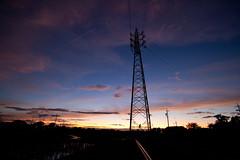 夕焼け空、鉄塔