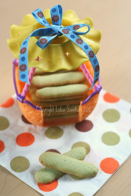 Green Tea Katetong (Cat's Tongue Cookies)