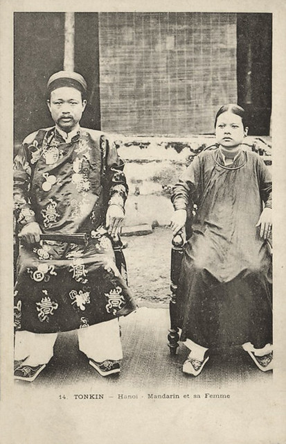 TONKIN - HANOI - Mandarin with Wife (ca. 1899)