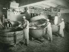Trondhjems Kommunale Bakeri. Brødfabrikken i tredje etasje.