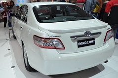 toyota aurion(0.0), automobile(1.0), automotive exterior(1.0), toyota(1.0), wheel(1.0), vehicle(1.0), auto show(1.0), mid-size car(1.0), toyota camry(1.0), compact car(1.0), bumper(1.0), sedan(1.0), land vehicle(1.0),