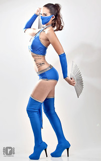 Shannon as Kitana