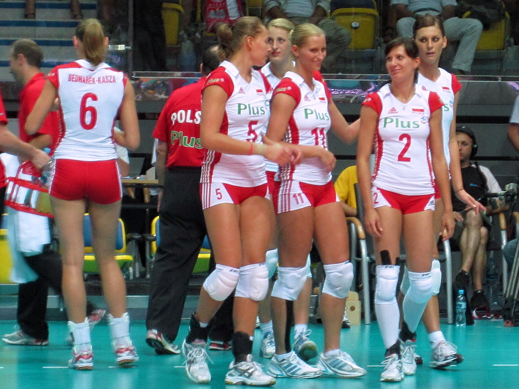 gdynia girls Poland escorts & escort agencies offering their services in poland .