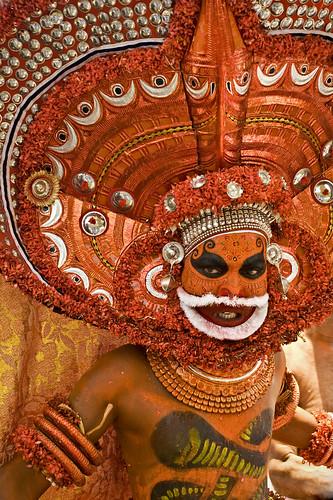kerala keralam artform theyyam kasargod godonearth rajeshvijayarajan rajeshvijayarajanphotography rajeshvj kandanarkelan muliyarpanchayat divinetransformation gettyimagesindiaq4