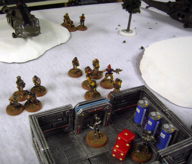 Scavengers roll to the objective
