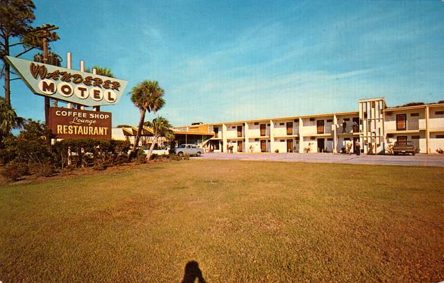 The Wanderer Resort, Golfhaven Jekyll Island, GA Postcard