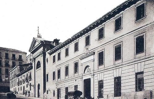 1910. Calle de Embajadores. La Inclusa y el Colegio de la Paz