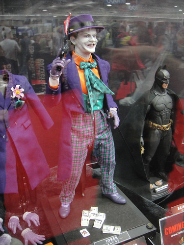 San Diego Comic-Con 2011 - Jack Nicholson as the Joker statue (Sideshow Collectibles booth) by PopCultureGeek.com