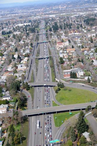 I-5 northbound congestion at Skidmore Avenue