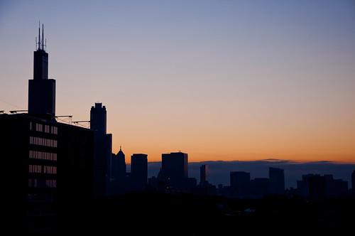 chicago silhouette skyline sunrise nikon searstower willis chicagoist banias d90