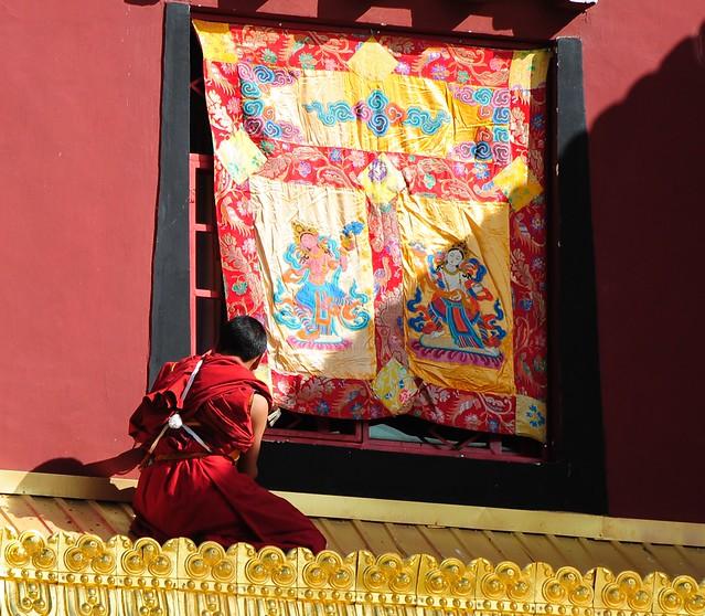 Avalokiteshvara window banner is mounted, Tibet