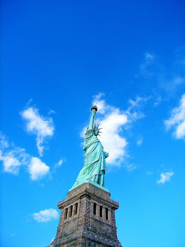Statue of Liberty no.4(New York 2008), 5 Must-see Structures Around the World
