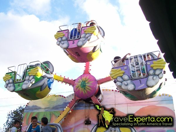 5976920310 3c95f777f4 z Costa Ricas Festivals, Events and Carnivals