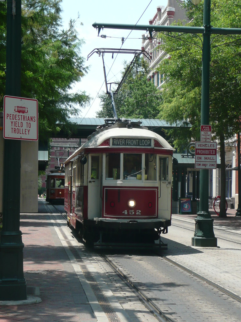 Memphis Tram by Reading Tom, on Flickr